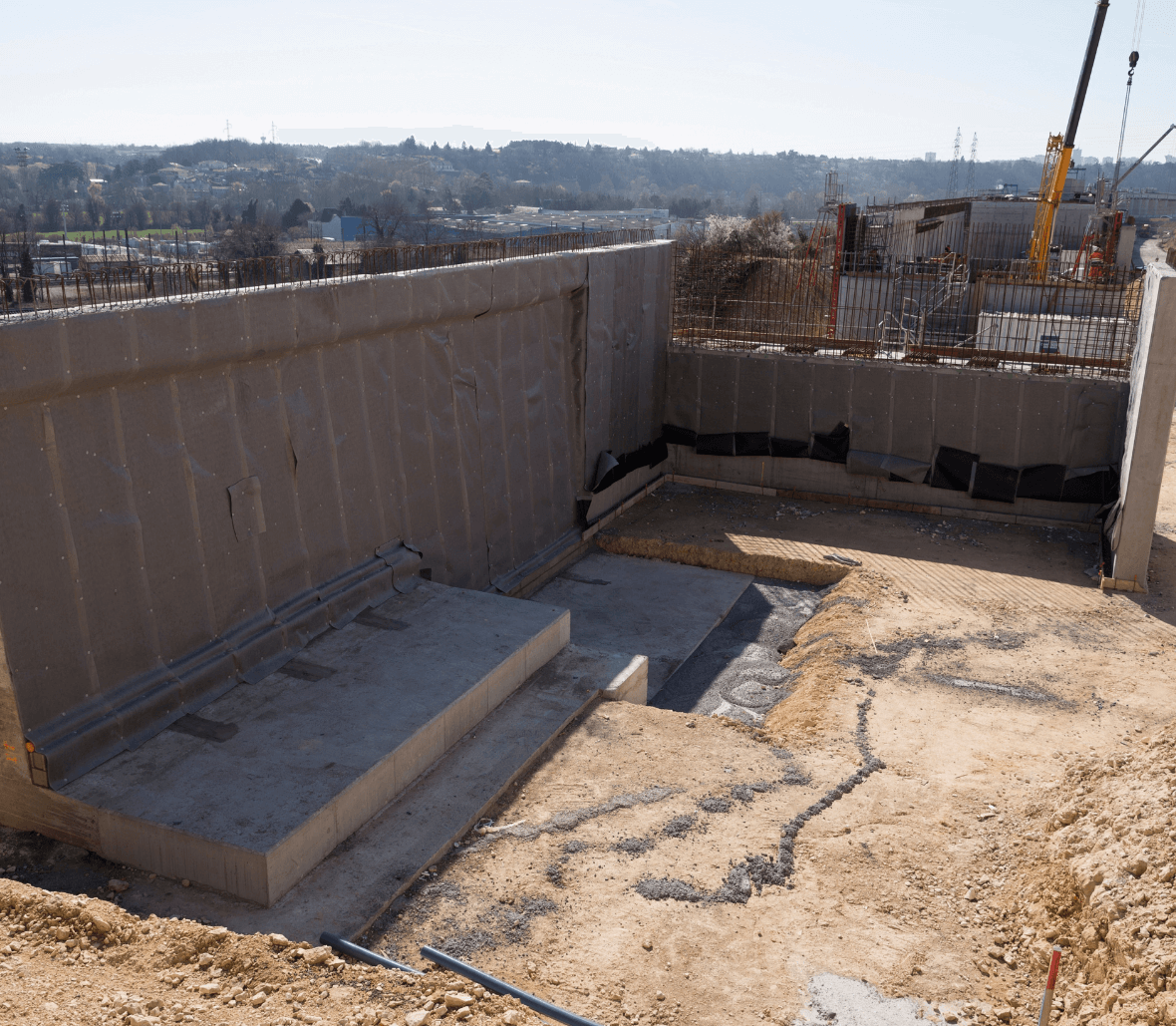 EnkaDrain Structure drainage system installation near train tracks Copyrights Low & Bonar_Enka Solutions