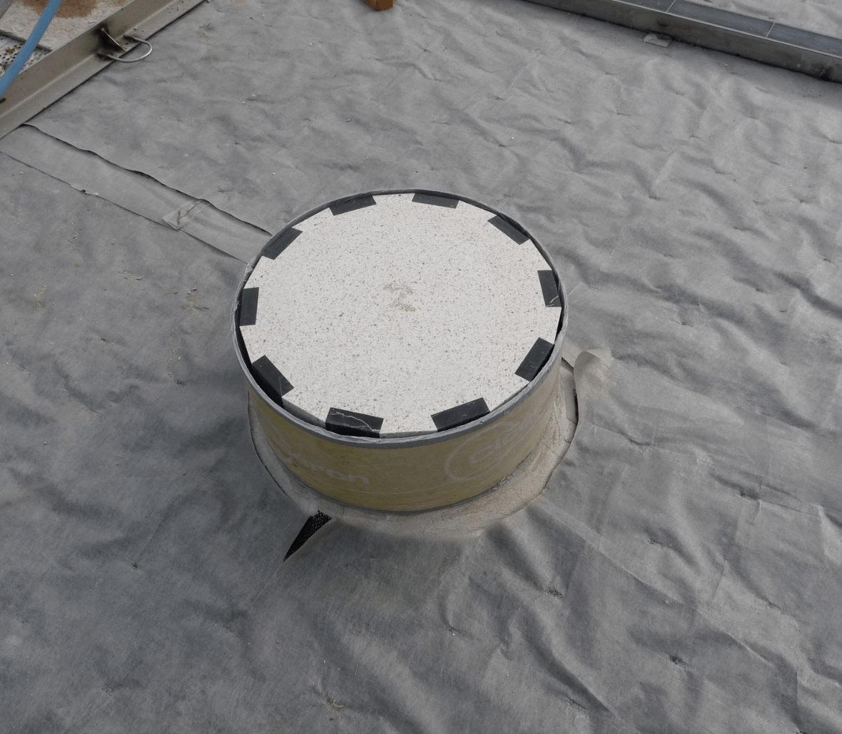 EnkaDrain_easy-to-cut drainage mat_copyright Low & Bonar_Enka Solutions