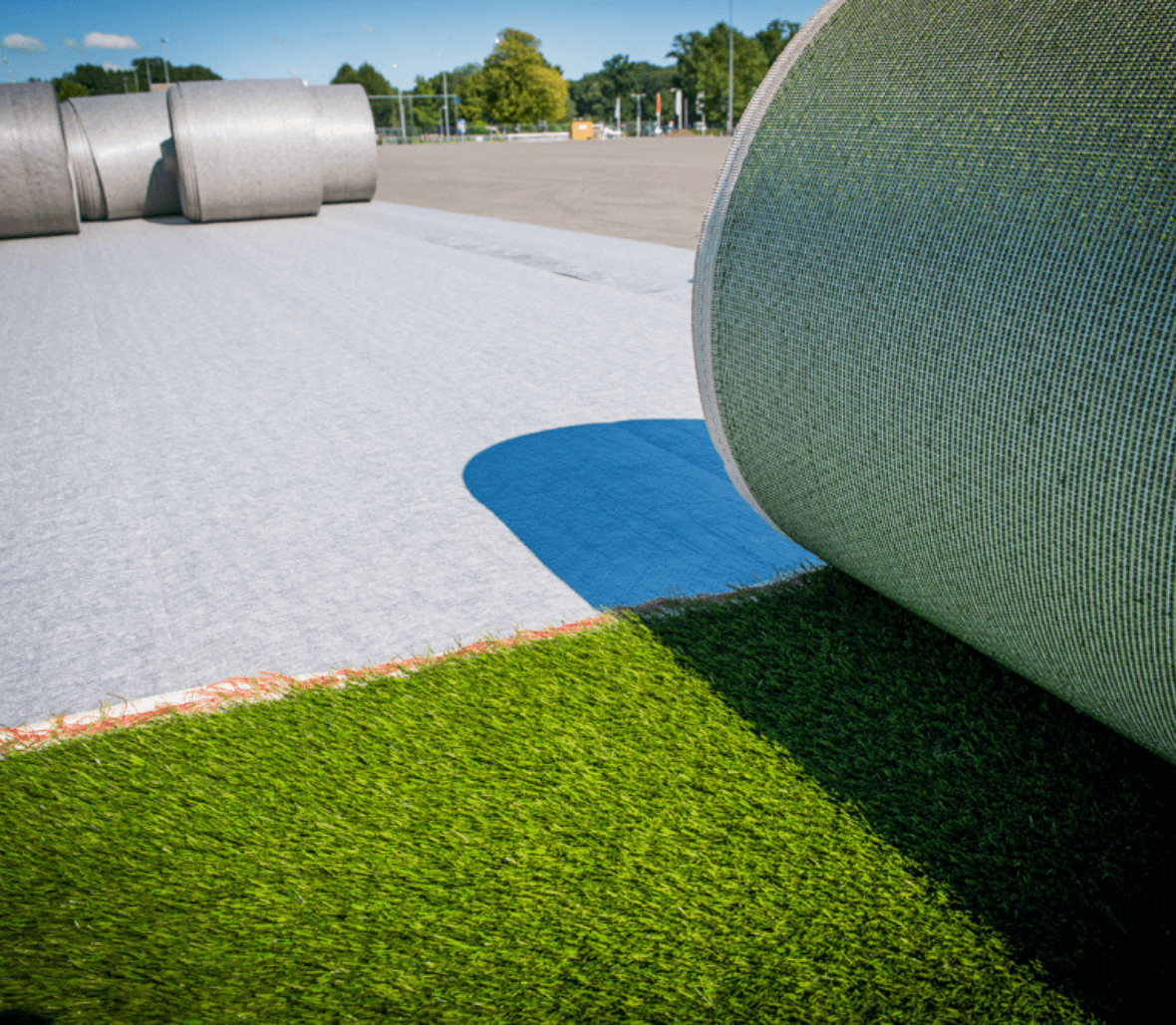 EnkaFlex_shockpad & drainage system for sportsfields_copyrights Low & Bonar_Enka Solutions